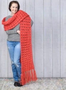 Want one of those pretty & giant super scarves? This Crisscross Crochet Super Scarf Pattern is gorgeously oversized and easy enough for beginners!