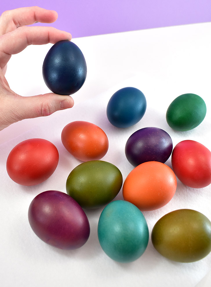 No egg dyeing kit? Dye eggs without a kit instead using items you probably already have on hand like food coloring, Jello, gelatin, or Kool-Aid!