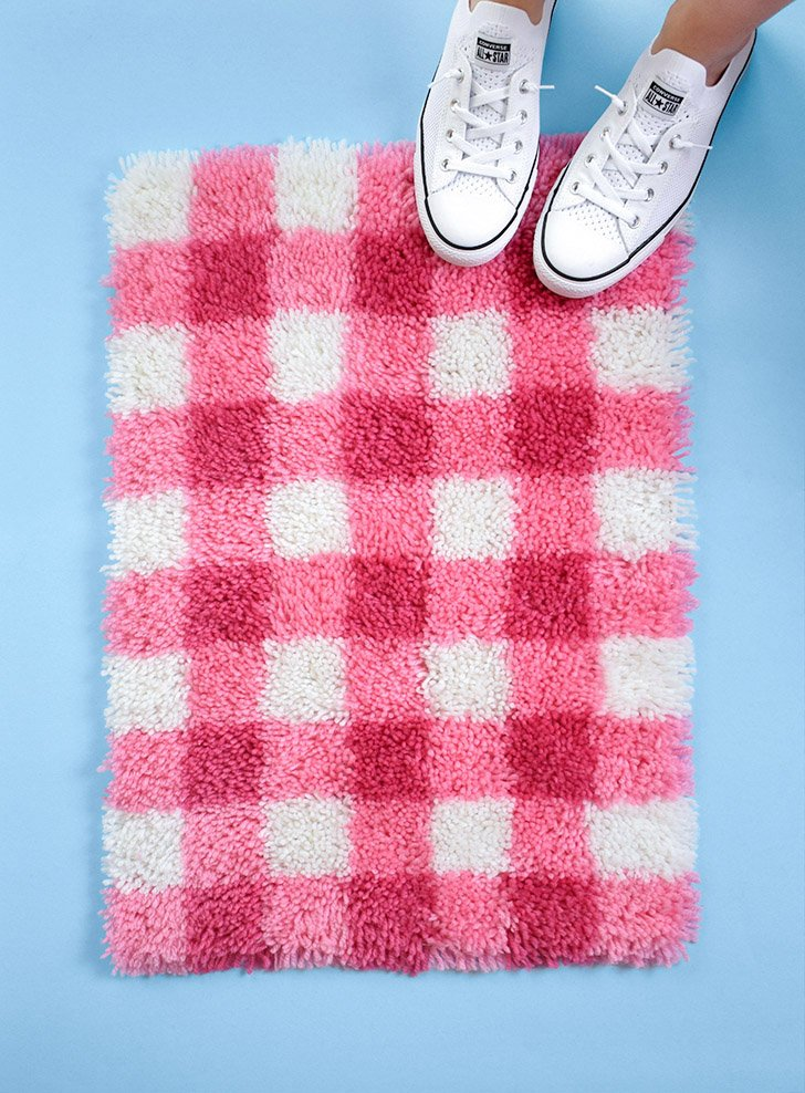 Not only visually stunning, this gingham latch hook rug is also very easy to make. With a simple, repeating pattern it's a great first time hooking project.
