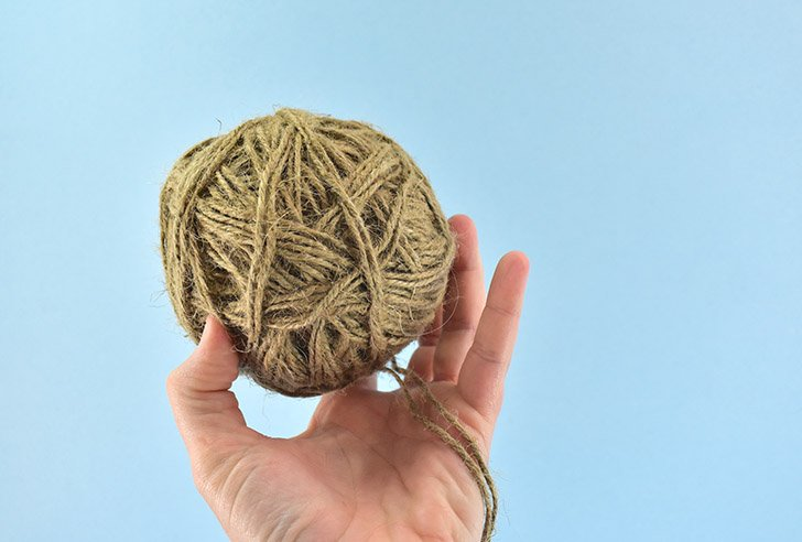 Because jute wants to knot together working with 2 strands from 2 rolls of twine at once is a nightmare. I'd strongly suggest making double-stranded balls of jute.