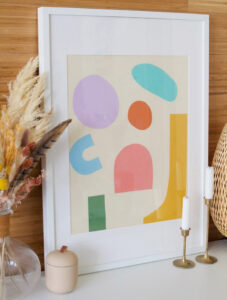 Empty walls but not much of an artist? Check out a whole load of DIY wall art that are not paintings, perfect for any skill level!