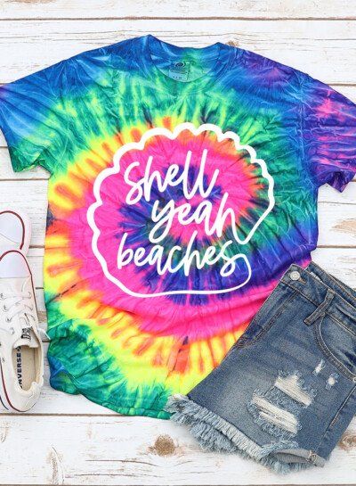 Looking for a fun way to dress up a tank or tee for summer vacation? Grab this fun and FREE cut file bundle. Shell yeah beaches!