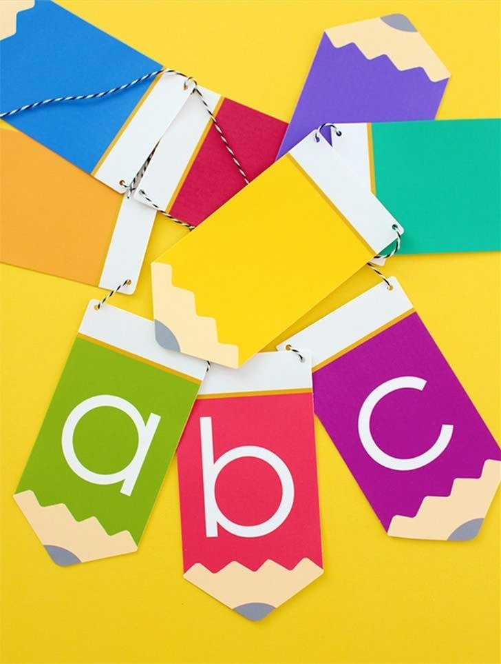 Free printable abc banner available at Design Eat Repeat, perfect for back to school.