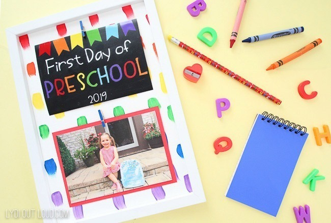 Make an adorable first day of school photo frame to keep long after school starts with Lydi Out Loud.