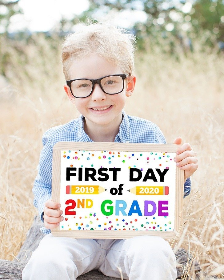 First Day of Back to School Sign Free Printable Craft