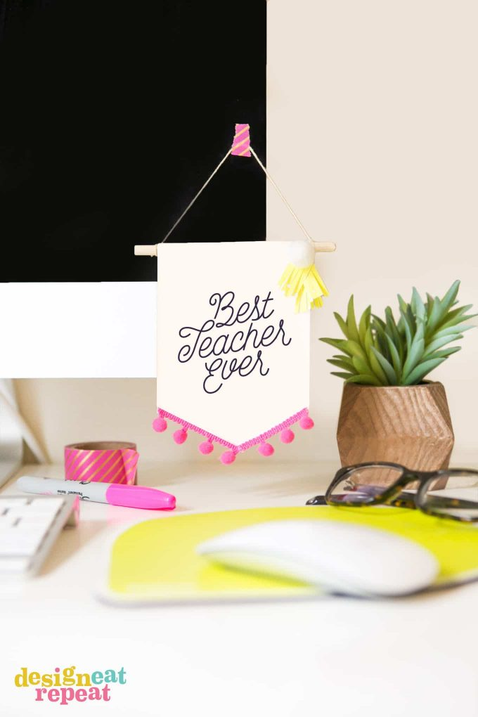 This banner is cute decor for any teacher, but they're sure to love the prize it holds inside because it's a gift card holder, too!