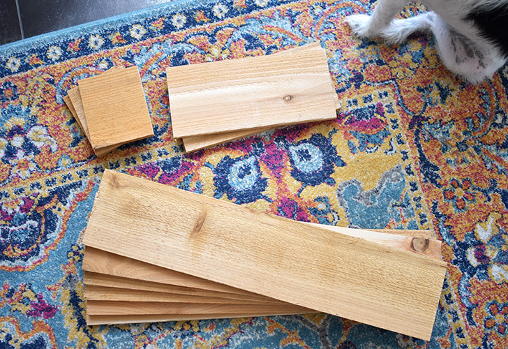 Ready to build your cedar picket birdhouse planter? Here are the pieces of wood you'll need to cut from 3 cedar pickets.
