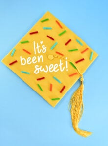 Check out 3 amazing DIY graduation caps made 30 minutes or less! Get the free cut space files + working with fonts and simple tutorial!