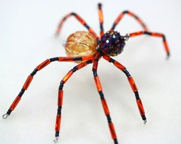 Halloween Crafts for Adults - DIY Beaded Spiders
