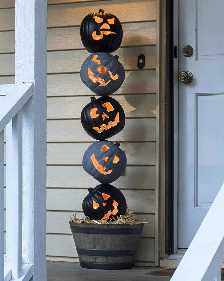 Halloween Crafts for Adults - Pumpkin Topiary by DIY Candy